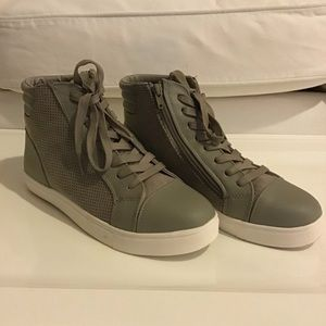 Steve Madden Demmie Gray Sneaker